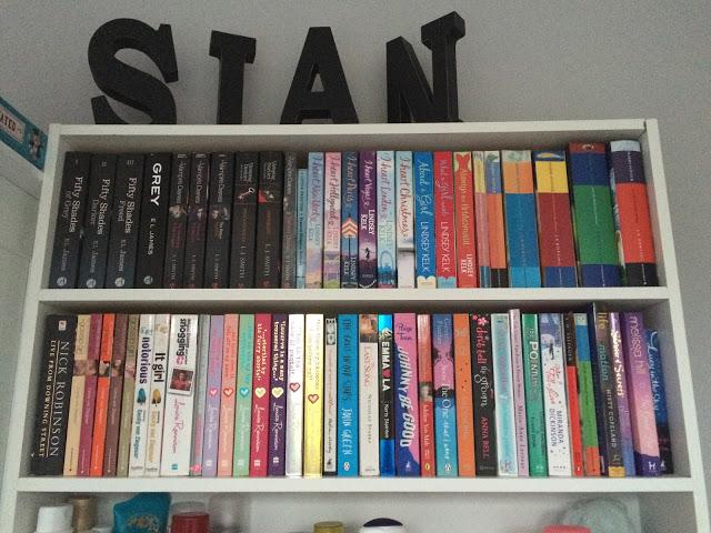 sian-bookcase